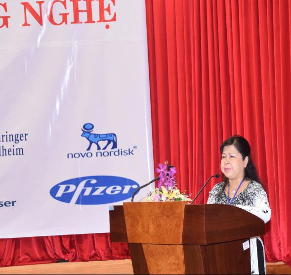 BS.CHII Nguyễn Thị Hạnh, GĐ bệnh viện phát biểu khai mạc hội nghị
